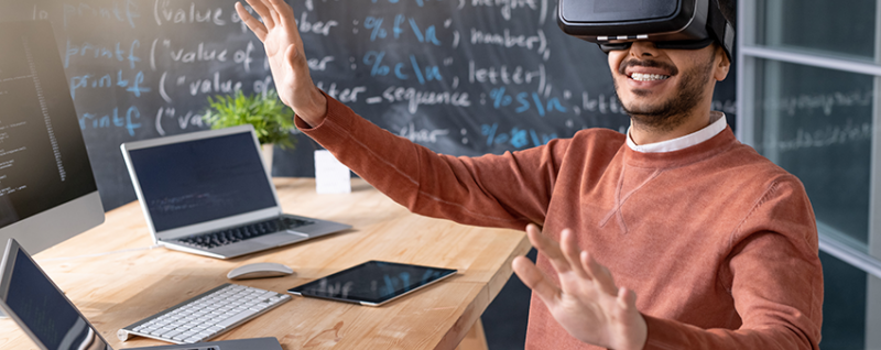 Examples of Immersive Online Learning Solutions in Employee Training